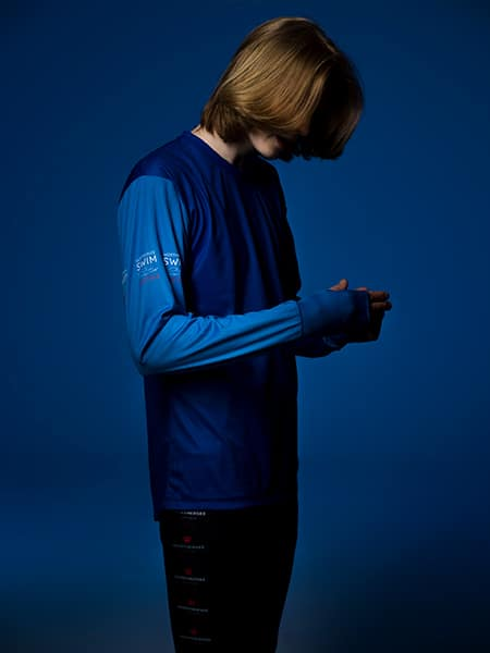 Comfortable-Two-color-Shirt-Hands-Blue